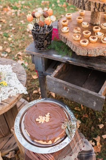 shillawna_ruffner_photography_cozy_decadent_fall_themed_inspiration_shoot_105